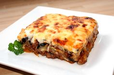 Húsos muszaka recept Hungarian Recipes, Hungarian Food, My Recipes, Lasagna, Meal Planning, Goodies, Pork, Food And Drink, Baking