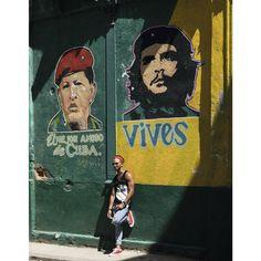 German photographer Bernhard Hartmann has encapsulated the old world charm of the Cuban capital in a stunning new photography book simply entitled, Havana. Stunning Photography, Book Photography, Les Miserables, Cuba Salsa, Cuba Cigar, Cuba Pictures, Underground Club, Viva Cuba, Frida Art