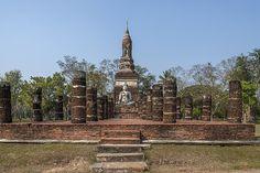 2015 Photograph, Wat Traphang Ngoen Wihan and Chedi, Sukhothai Historical Park, Mueang Kao, Mueang Sukhothai, Sukhothai, Thailand, © 2015.  ภาพถ่าย ๒๕๕๘ วัดตระพังเงิน วิหารและเจดีย์ อุทยานประวัติศาสตร์สุโขทัย เมืองเก่า เมืองสุโขทัย จังหวัดสุโขทัย ประเทศไทย