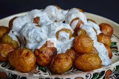 Cartofi noi la cuptor cu sos de smantana si marar - CAIETUL CU RETETE Romanian Food, Pretzel Bites, Bread, Cooking, Ethnic Recipes, Sweet, Gourmet, Kitchen, Candy