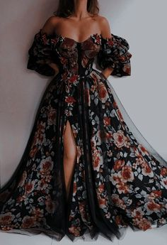 Cute Prom Dresses, Elegant Dresses, Pretty Dresses, Beautiful Dresses, Ball Gown Dresses, Evening Dresses, Fairytale Dress, Princess Fairytale, Fantasy Gowns