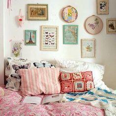Super girly vintagey bedroom