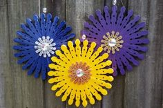 This inexpensive craft requires only a few supplies, so you can make plenty of clothespin flowers for you and your friends.