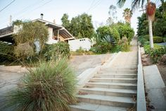 View tips about Silver Lake from local hosts. Silver Lake Los Angeles, City Of Angels, Los Angeles California, West Coast, Greenery, The Neighbourhood, Sidewalk, Stairs, Photoshoot