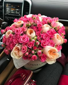 flowers, rose, and pink image Beautiful Rose Flowers, Beautiful Flower Arrangements, Fresh Flowers, Pink Flowers, Floral Arrangements, Beautiful Flowers, Indoor Flowering Plants, Luxury Flowers, Deco Floral