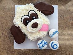 Floppy Earred Dog Pull-Apart Cake Puppy Birthday Cakes, Themed Birthday Cakes, Themed Cakes, Dog Birthday, Birthday Cupcakes, Birthday Ideas, Puppy Cupcakes, Puppy Cake, Ladybug Cupcakes