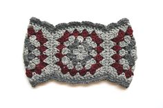 i really want to do more crocheting, and i love these granny square scarves & cowls.