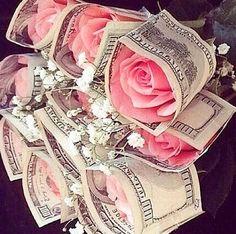 No solo se vive del dinero sino de las buenas acciones. Todo fluye en abundancia, si te mueves en abundancia, todo tu caudal será abundante, pero más riqueza en el mundo que no puede ser superada por el dinero   ES EL AMOR.