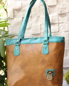 Mk branded hand bag.. 16*12 inches..at an #unbelievable  price of Rs 999 only ..Limited stock..  #fashion #handbags #style #pretty #fashiononweb  https://www.facebook.com/fashiononweb/