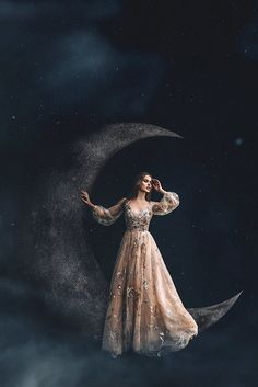 Moonlight Photography, Dreamy Photography, Moon Photography, Fantasy Photography, Creative Photography, Fine Art Photography, Alaaf You, Princess Aesthetic, Beautiful Moon