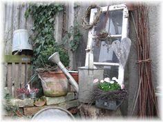 Kleine Gartendeko - Wohnen und Garten Foto Outdoor Ideas, Ladder Decor, Old Windows, Nice Asses