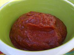 Quick Ketchup Paleo http://www.potkettlekettlepot.com/quick-easy-paleo-ketchup/#