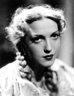 Movie Star - Tamara Wiszniewska Actress - Poland. Tamara Wiszniewska – polska przedwojenna aktorka filmowa. We wrześniu 1937 roku poślubiła kierownika produkcji Władysława Mikosza
