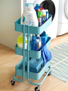Benutze den RÅSKOG für Putzmittel, die Du von Zimmer zu Zimmer fahren möchtest.