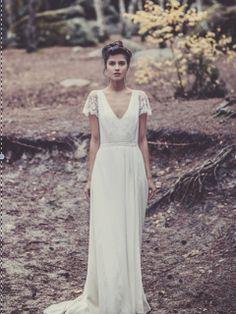 Laure de Sagazan Size 2 Wedding Dress – OnceWed.com | PAID: $4000 ASKING: $2500 save 38% | http://www.oncewed.com/used-wedding-dresses/laure-de-sagazan-2/