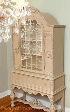 Carole at Toronto Shabby Chic was the one who purchased my original china cabinet… and she also paints and sells furniture. Decor, Shabby Chic Dresser, Painted Furniture, Painted China Cabinets, Repurposed Furniture, Paint Furniture, Furniture Makeover, Shabby Chic Furniture, Furniture Design