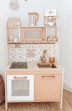 Ikea Kids Kitchen, Toddler Kitchen, Diy Play Kitchen, Wooden Kitchen, Kmart Toy Kitchen, Ikea Kids Room, Kitchen Hacks, Kids Picnic Table, Play Houses