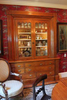 Gorgeous built in cupboard│52 FLEA