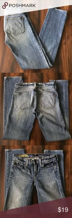 """J. Crew Factory Matchstick Jeans Size 24S Stretch These J. Crew Factory Matchstick jeans are in excellent used condition. They are size 24S.   Approximate Measurements: Rise 7"""", Inseam 29"""", Waist 13.5"""" laying flat.   Thank you for shopping. Bundles will be discounted and reasonable offers are always welcome!! J. Crew Factory Jeans Straight Leg"""