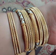 Ali baba Selani Gold and diamond splyer Dubai. Gold Jewelry Simple, Mom Jewelry, Jewelry Model, India Jewelry, Jewelry Design, Gold Jewellery, Gold Chain Design, Gold Bangles Design, Diamond Necklace Set
