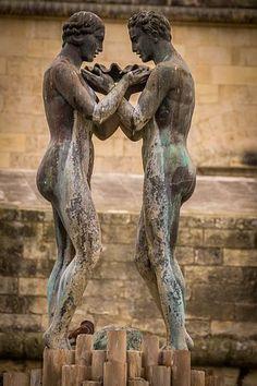 Romantiske Par Bilder - Last ned gratis bilder - Pixabay Free Pictures, Free Images, Godly Wife, Christian Inspiration, Lion Sculpture, Relationship, Statue, Couples, Women