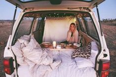 Living-In-Van-Life-Reisefotografie Van Life - Creative Vans Summer Goals, Summer Fun, Summer Nights, Summer Things, Summer Dream, Zelt Camping, Fun Sleepover Ideas, Dream Dates, Cute Date Ideas
