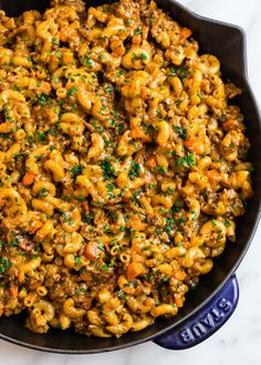Gather around the table for a warm bowl of this Homemade Hamburger Helper! It has all the classic flavors you love, but it's packed with nutritious ingredients! Hamburger Helper Stroganoff, Homemade Hamburger Helper, Beef Stroganoff, Vegetable Recipes, Beef Recipes, Cooking Recipes, Cooking Ideas, Chicken Recipes, Bon Appetit