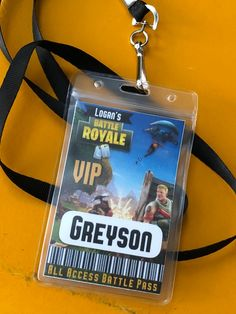 VIP Fortnite Battle Royale Personalized Battle pass with badge holder and lanyard. ONE Complete lanyard with customized insert. Take your Fortnite Party to the next level with this fully customized and assembled VIP lanyard Battle Pass. PERSONALIZED To include your Troops names. 13th Birthday Parties, 11th Birthday, Birthday Fun, Birthday Party Themes, Birthday Invitations, Birthday Ideas, Deco Gamer, Nerf Party, Video Game Party