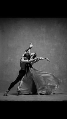 Dance and live Ballet Poses, Dance Poses, Tango Dancers, Ballet Dancers, Shall We Dance, Lets Dance, Dance Movement, Ballet Photography, Ballet Beautiful
