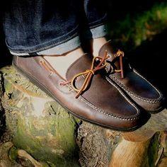 Zapatos driver en piel café para ellos