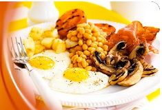 Swap an oily fry-up for a healthy full English breakfast. The Slimming World Classic big breakfast features all your favourite brekkie bits – and it's Syn-free Healthy Diet Recipes, Real Food Recipes, Easy Recipes, Healthy Food, Eating Healthy, Slimming World Recipes Uk, Slimming World Breakfast, Health Dinner, British
