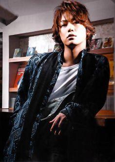 Kamenashi Kazuya dans Dime Men's Beauty