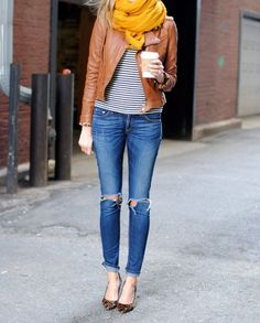 Ripped jeans and yellow scarf ❤️ #fall #trends #scarf #distressed #jeans