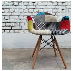 Beutiful chair Upholstered Dining Chairs, Fabric Dining Room Chairs, Dining Room Furniture, Chair Fabric, Kitchen Chairs, Eames Chairs, Kitchen Dining, Best Baby High Chair, Eames Daw