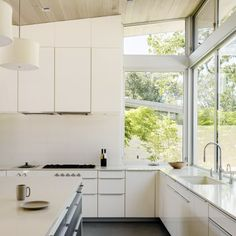 """""""We made use of every square inch which is why Poggenpohl was such a perfect fit with our integrated storage solutions,""""  - explained I-Ching Ueng, Senior Designer and Studio Manager of Poggenpohl San Francisco.   Know more about Ranch O