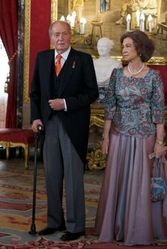 MYROYALS &HOLLYWOOD FASHİON: Spanish Royal Family Hosts a Reception-King Juan Carlos and Queen Sofia, February 5, 2014