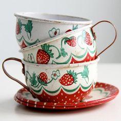 Vintage Wolverine Strawberry Tin Tea Set