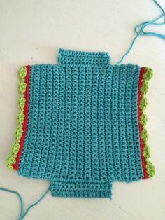 Handkerchief bag – crochet fever - Knitting for Beginners Bag Crochet, Tunisian Crochet, Crochet Basics, Crochet Hooks, Crochet Top, Learn How To Knit, How To Start Knitting, Knitting For Beginners, Knitting Projects