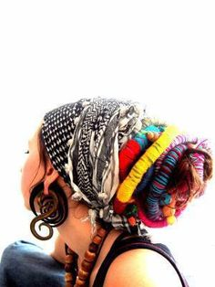 Image uploaded by Rosaline Mohr. Find images and videos about color, rainbow and hair wrap on We Heart It - the app to get lost in what you love. Dreads, Studio Photography Poses, Et Tattoo, Hippie Style, Bohemian Style, Boho Chic, Head Wraps, A Boutique, African Fashion