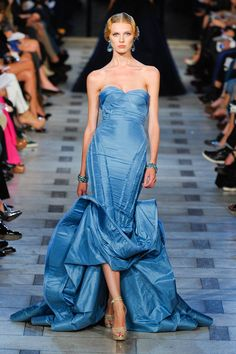 Perfect moment from Zac Posen's Spring 2012 show