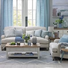 Cool blue coastal living room diy living room decor Coastal living rooms to recreate carefree beach days Cottage Living Rooms, Coastal Living Rooms, Living Room Modern, Living Room Interior, Home Living Room, Living Room Designs, Living Room Furniture, Living Room Decor, Blue Curtains Living Room