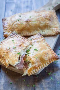 Ham and Cheese Pie Ham and Brie Pop Tart Recipe. Photo and recipe by Irvin Lin of Eat the Love.Ham and Brie Pop Tart Recipe. Photo and recipe by Irvin Lin of Eat the Love. Tart Recipes, Cooking Recipes, Savory Pie Recipe, Pillsbury Pie Crust Recipes, Mini Pie Recipes, Pastry Recipe, Amish Recipes, Dutch Recipes, Russian Recipes