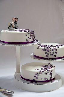 Hochzeitstorte schwarz lila Mehr