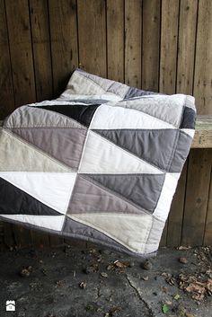 narzuta patchwork - zdjęcie od dom artystyczny - Sypialnia - Styl Minimalistyczny - dom artystyczny