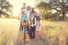 Family Session by Kristen Duke Photography :: Inspire Me Baby Family Photo Sessions, Family Posing, Family Portraits, Family Photos, Portrait Inspiration, Photoshoot Inspiration, Portrait Ideas, Foto Fun, Photo Tips
