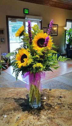 Captivating Choosing Your Wedding Flowers Ideas. Remarkable Choosing Your Wedding Flowers Ideas. Sunflower Centerpieces, Sunflower Arrangements, Beautiful Flower Arrangements, Wedding Arrangements, Floral Centerpieces, Summer Flower Arrangements, Altar Flowers, Church Flowers, Fake Flowers