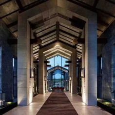 Hotel Lijiang Pullman, na China. Projeto de CCD / CHENG CHUNG DESIGN (HK). #hotel #trip #artes #art #decoração #arts #viagem #architecture #arquitetura #decor #design #interior #interiores #art #architecturelover #projetocompartilhar #shareproject #lijiangpullman #lijiang #china #ccd #chengchungdesign