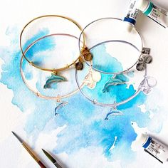 Here's a behind-the-scenes look at @AlexandAni latest #CHARITYBYDESIGN bangle supporting @zoos_aquariums. # #Dolphin #behindthescenes #BTS #sneakpeek #banglesthatbenefit #ALEXANDANI #charmsthatgiveback #shopforacause #withlove