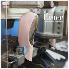 Tradición e historia...  #blucher #oxford #shoes #calzado #madeinspain #lince #linceshoes #look #tendencias #white #blue