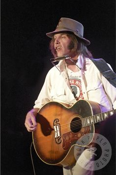 Neil Young by Art Meripol www.RockPaperPhoto.com
